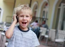 Πλεονεκτήματα και μειονεκτήματα της χρήσης κινητών από τα παιδιά
