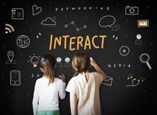 Διδάσκοντας τα παιδιά μας τη χρήση των social media
